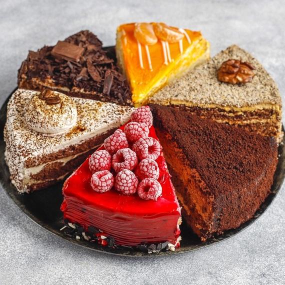 Legalább 190 szeletes születésnapi torta